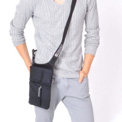tablet sling bag Stylish shoulder tablet and smartphone bag URBAN TOOL ® slotbar
