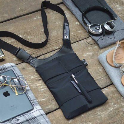 slotbar Tablet sling bag fits 7-9´´ tablets and gadgets,