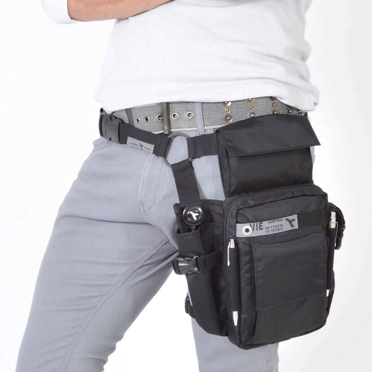 Smartphone and tablet holster waist bag URBAN TOOL ® travel legholster