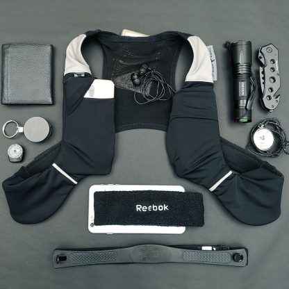 running vest for phones, fits 6,5´´, keys, money, wallet and more