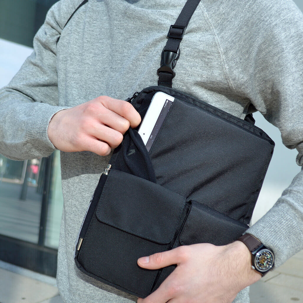 3-in-1 tablet bag detail 7´´ compartment