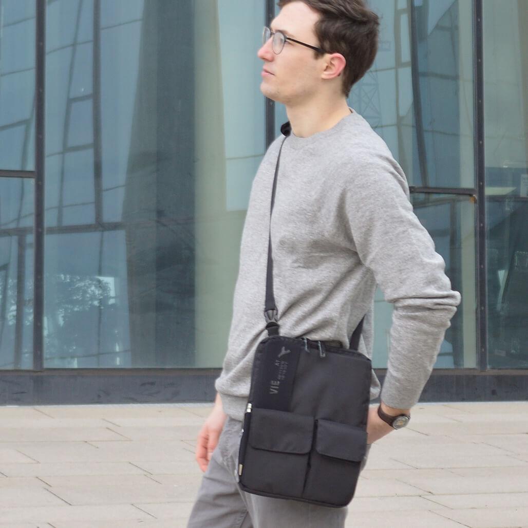 3-in-1 tablet bag shoulder bag wearing option