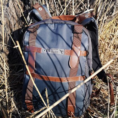 designer laptop backpack with 13´´ and 7´´ compartments, lot of pockets and interior